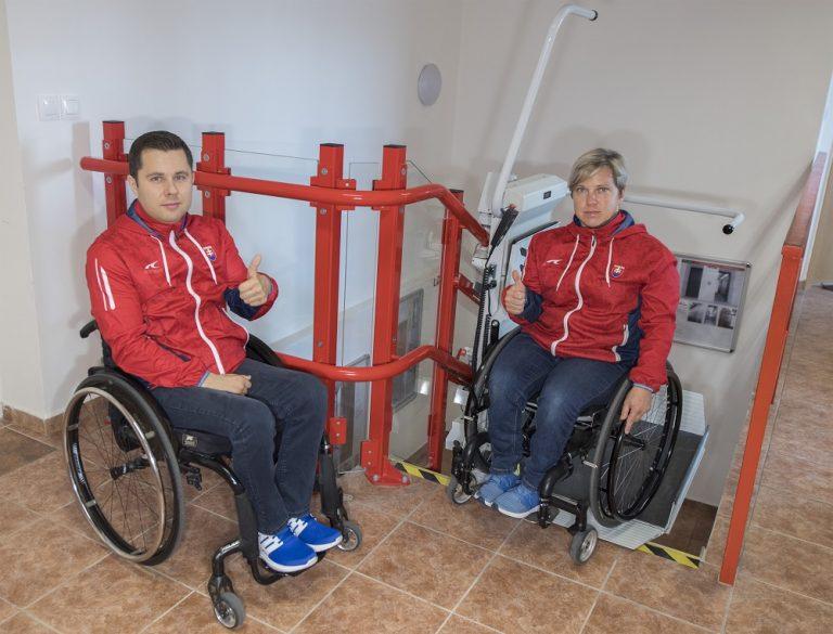 Šikmá schodisková plošina - Radoslav Malenovský a Veronika Vadovičová