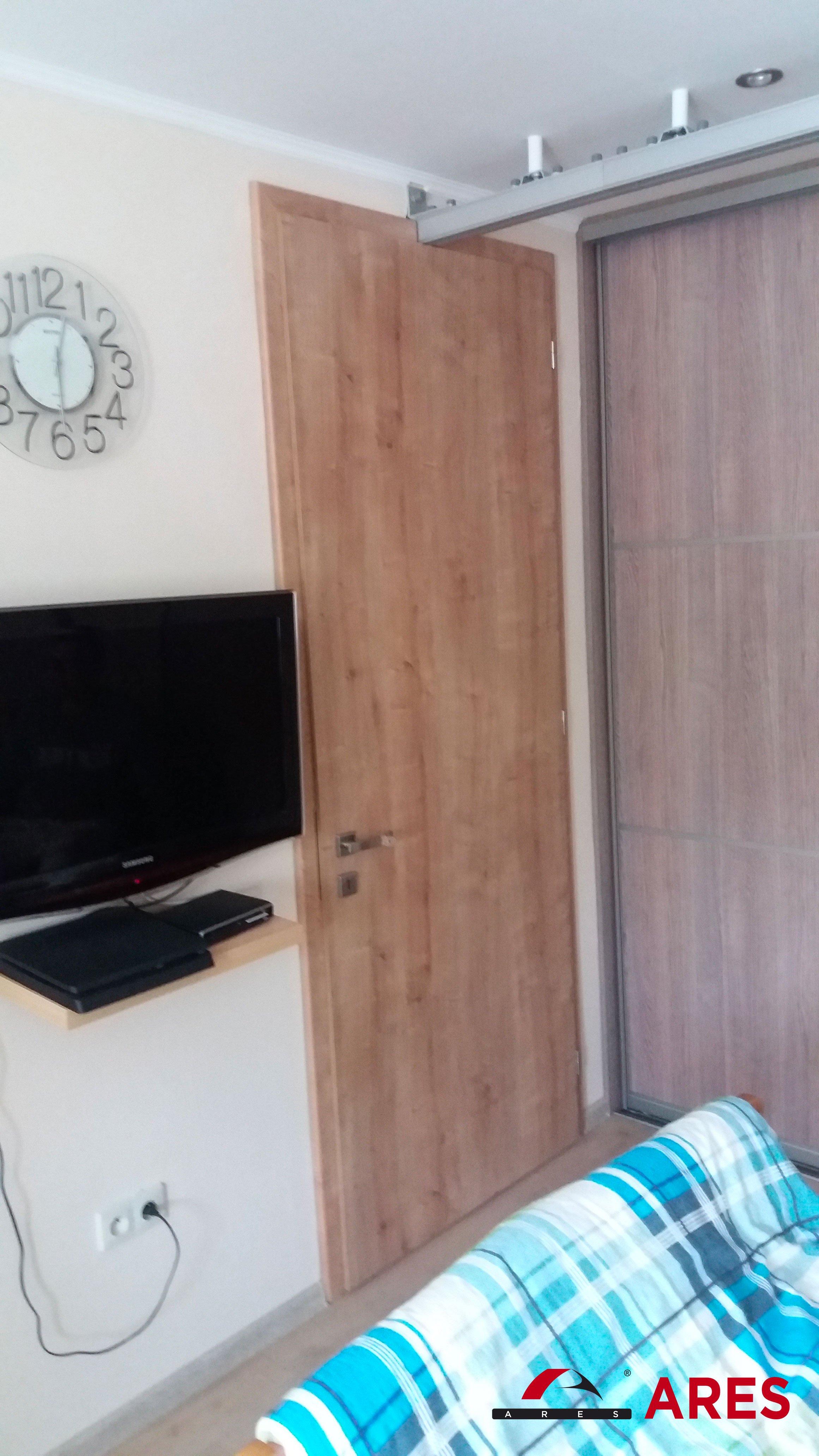 Stropný zdvihák do izby | ARES