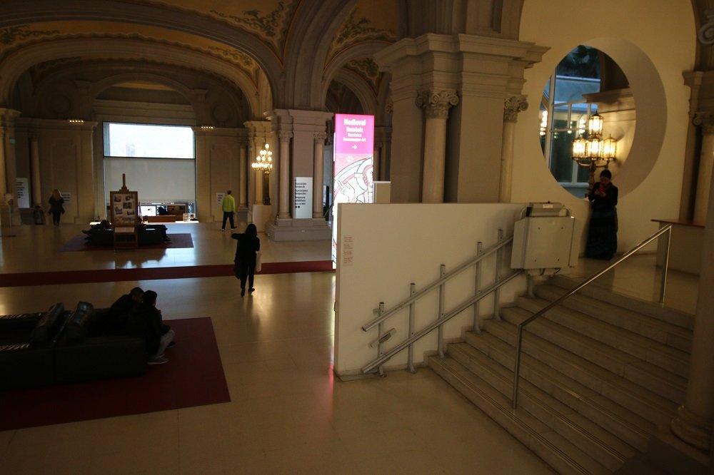 Naša schodisková plošina DELTA v Múzeu súčasného umenia.