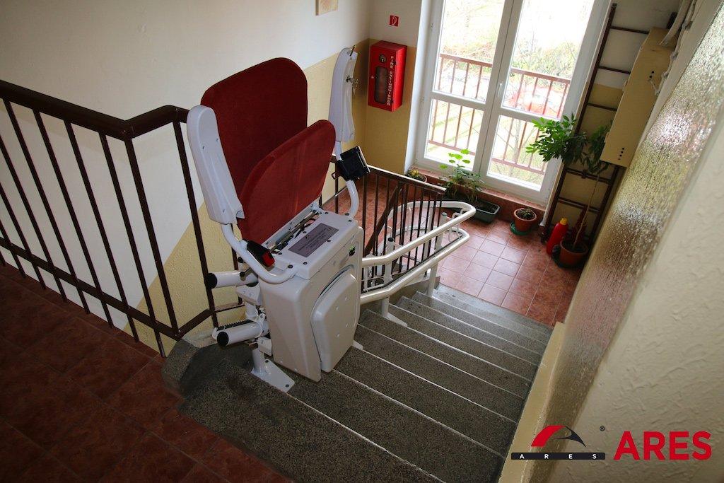 Zložená schodisková sedačka SA-Alfa | ARES
