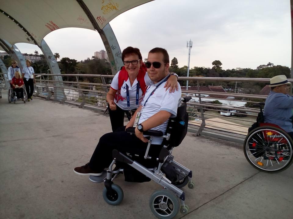 Samuel Andrejčík s mamou, ktorá ho sprevádza počas turnajov (FOTO - archív)