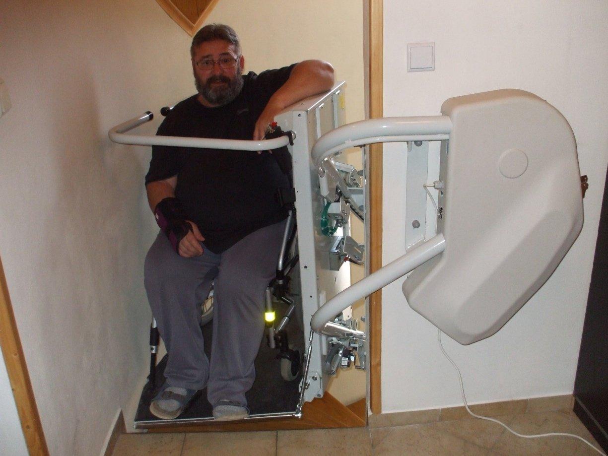 SP-Omega schodisková plošina pre ZŤP | ARES